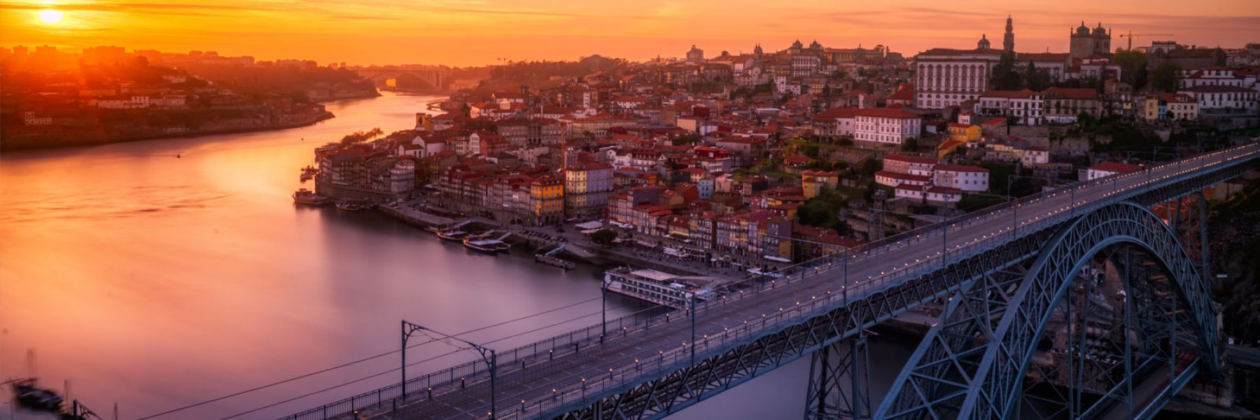 Rent a car in Porto